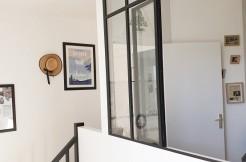 DUPLEX rénové, deux chambres, parking, calme, lumière